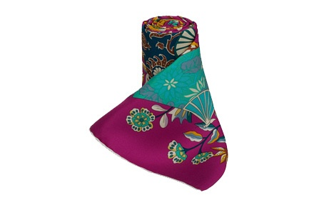 粉红扇子花纹丝巾