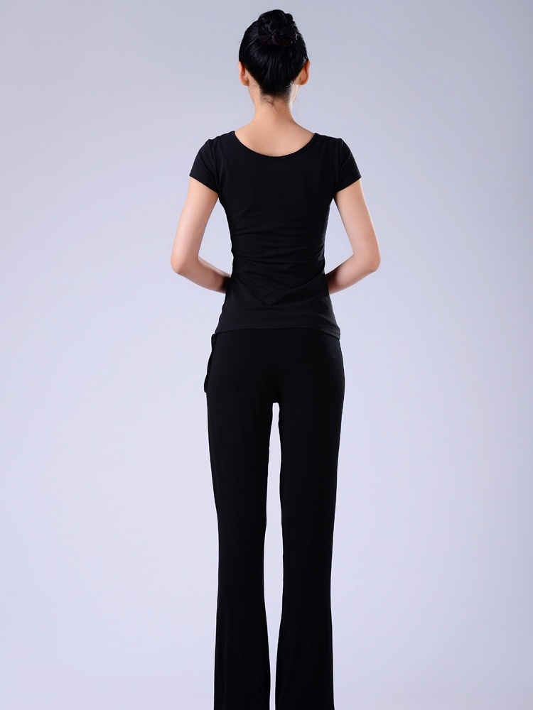 依琦莲CX8117+12002瑜伽服-聚美优品-最大性感衣着打扮图片