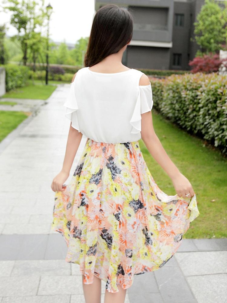露肩圆领蝴蝶袖印花雪纺连衣裙 白色