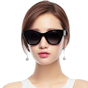 三氏女款时尚偏光太阳镜8513黑色