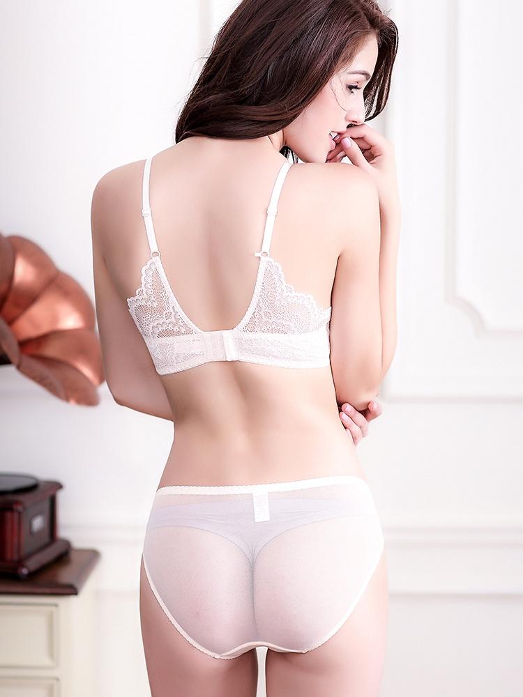 高贵文雅蕾丝花边 超性感美背文胸套装