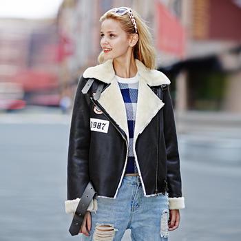 米色麂皮绒时尚外套