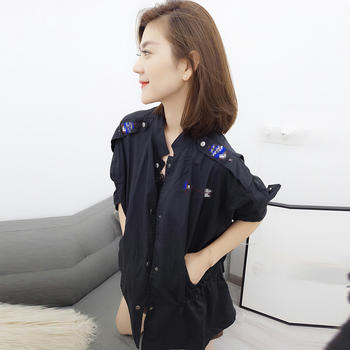 BOBOWALTZ休闲风衣时尚刺绣短款外套