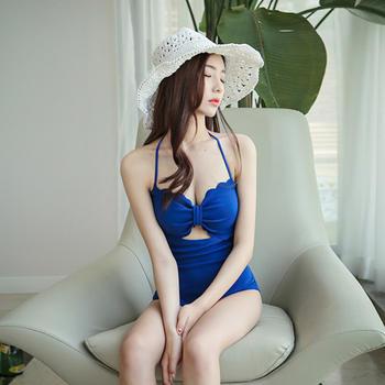 颖贝尔@连体三角镂空泳衣