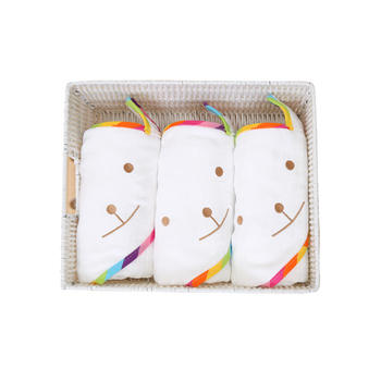 意嬰堡多功能蜂巢彩虹熊帶帽浴巾