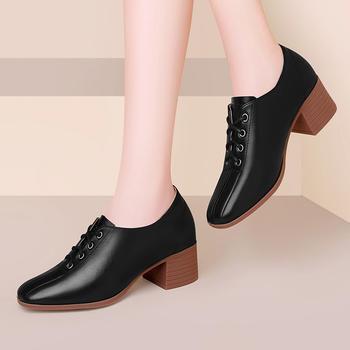 粗跟小皮鞋女英伦风秋冬季休闲鞋