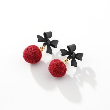 戴拉 925银针甜美蝴蝶结毛球耳环