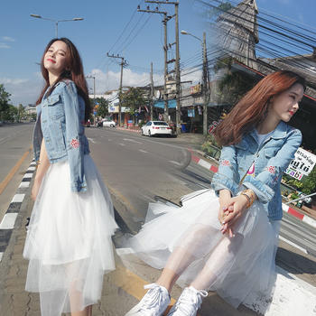 KDN  韩版潮修身显瘦刺绣牛仔外套女短款绣花牛仔衣