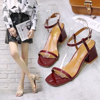 艾微妮韩版新款一字式休闲粗跟百搭时尚凉鞋