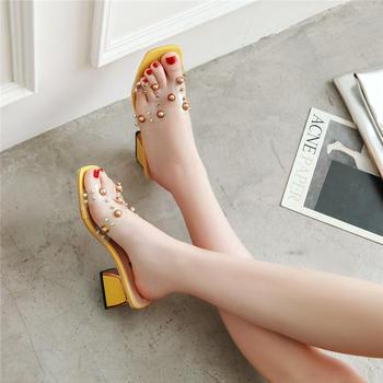 佑黛夏季新款露趾拖鞋铆钉粗跟一字拖外穿半拖罗马鞋