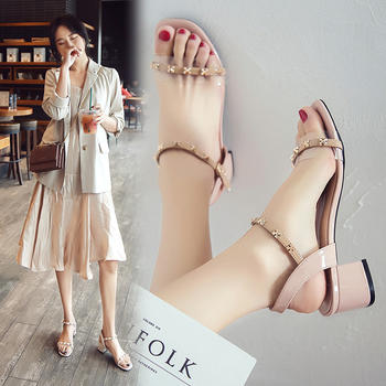 网红露趾凉鞋女?#25351;?#26611;钉高跟鞋女一字带仙女风罗马鞋